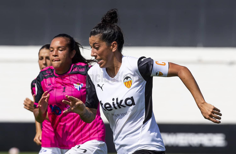 """Marta Carro: """"Necesitamos intensidad, trabajo, sacrificio e ir todas juntas a por los tres puntos"""""""